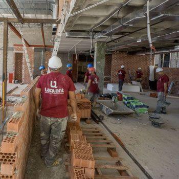 Laquant continua la construcción del «Restaurante Murri y TR»