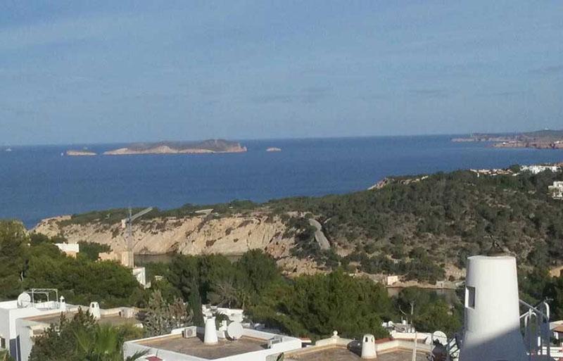 Laquant esta ejecutando en Ibiza una nueva construcción de viviendas
