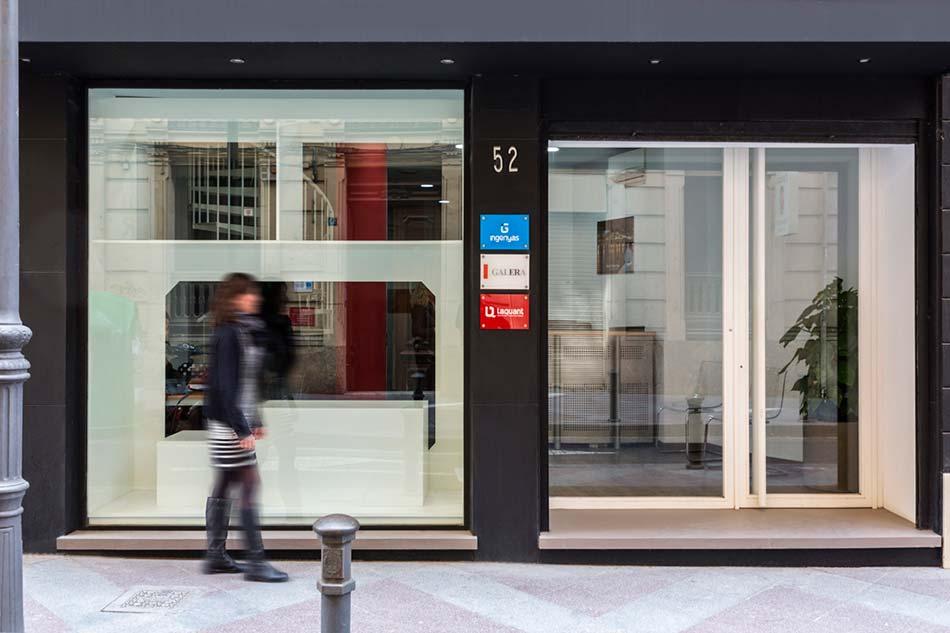 entrada_oficinas_laqaunt